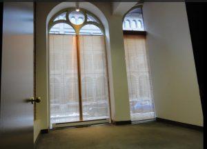 location bureau style loft grandes fenetres